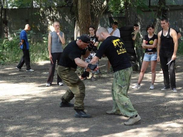 Отчет г.Ростов-на-Дону «Ближний бой с ножом и типовые защиты при нападении с ножом»