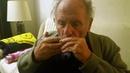Ich hatt einen Kameraden - auf einer Mundharmonika gespielt..