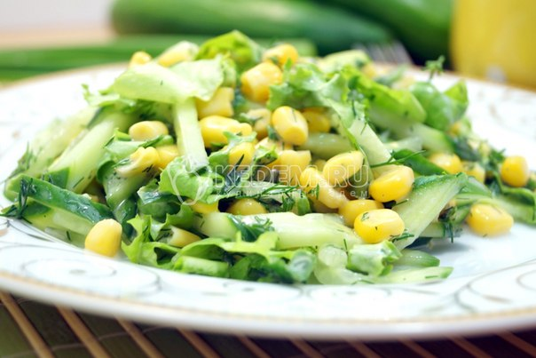 Салат с огурцом
