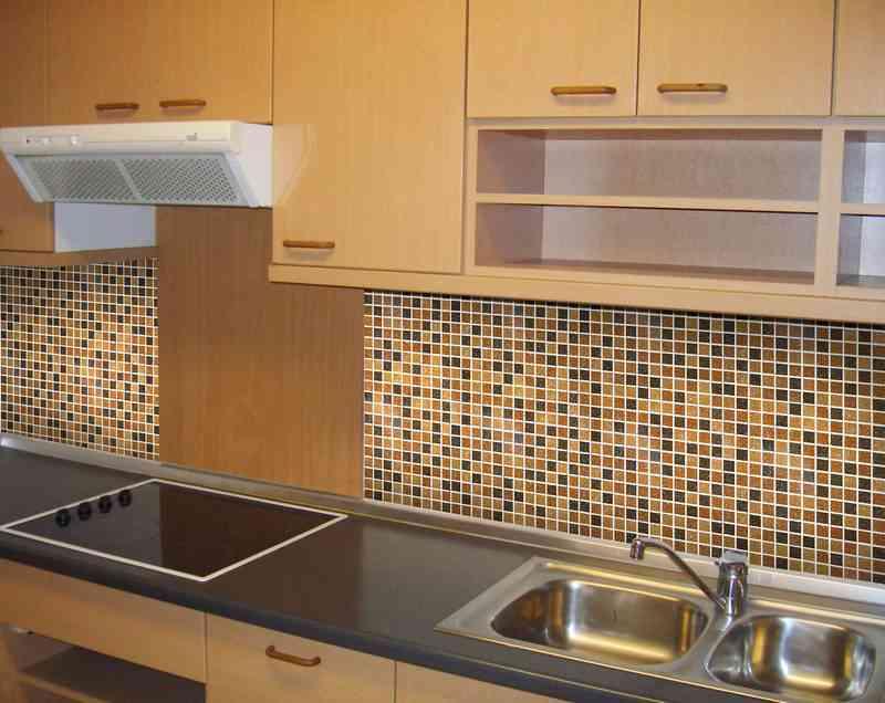 Мозаичная плитка в кухне
