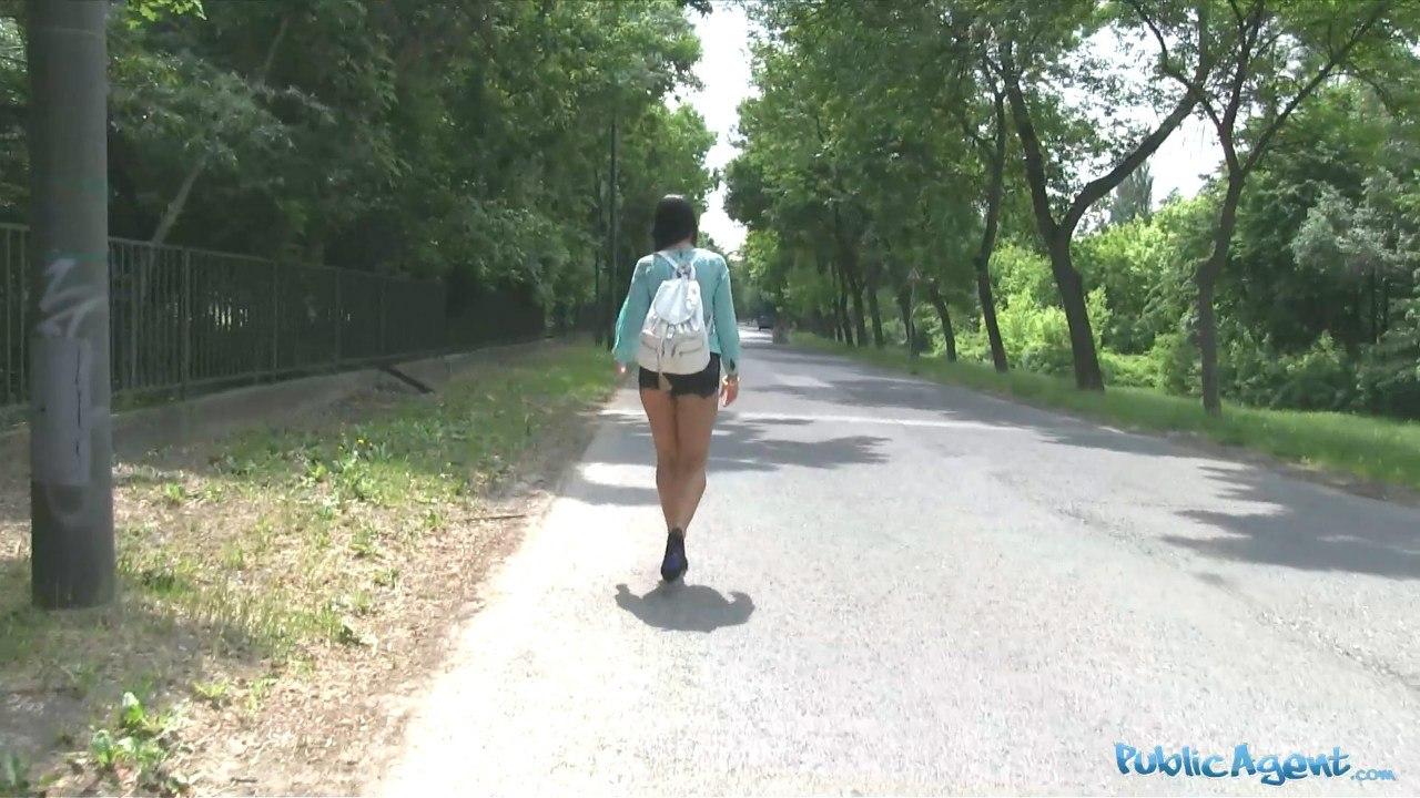 PublicAgent Taissia Shanti E303 Молодую русскую трахает в лесу Чехии