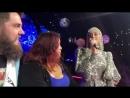 Katy singing IMYS to engaged fans