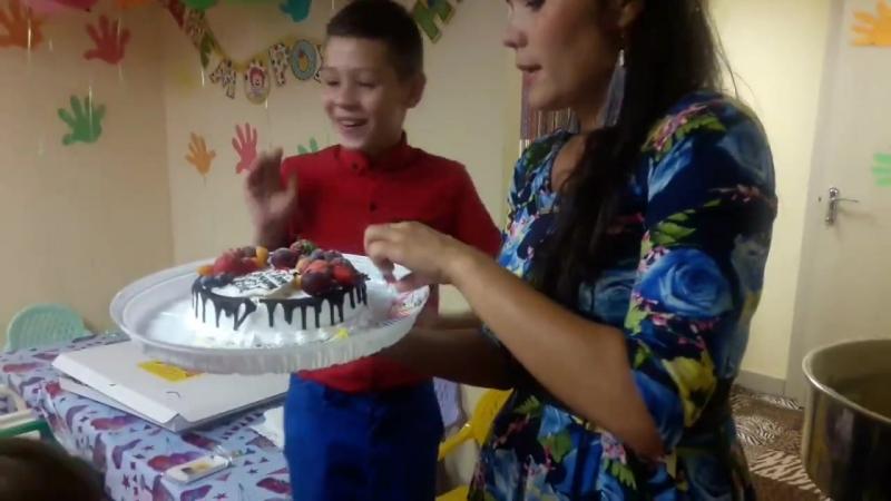 Праздничный вынос торта