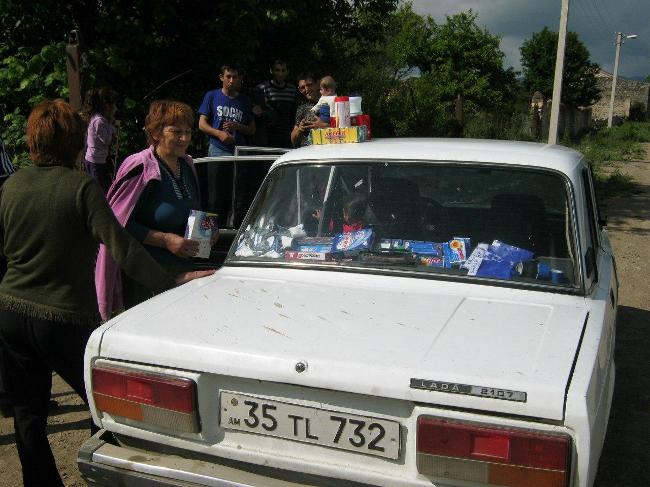 """""""передвижные магазины на колёсах"""" в Армении"""