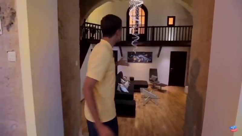 В российском телешоу представитель был на Мальте и арендовал то же жилье что и BTS для Bon Voyage