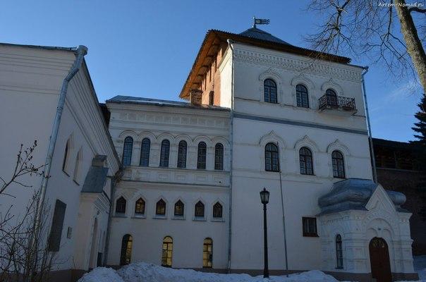 Здание музея древностей (1889-1892)