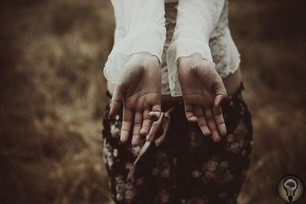 Восемь кризисов жизни По теории известного психолога Эрика Эриксона жизненный цикл делится на 8 ступеней. И на каждой поджидает кризис. Но не катастрофический. Просто наступает некий переломный