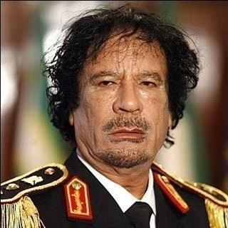 """Вот за эти """"грехи"""" убили Каддафи: 1. Бензин стоит дешевле воды. 1 литр бензина — 0,14 $ 2. Новобрачным дарится 64 000 $ на покупку квартиры. 3. Образование и медицина.... Читать продолжение в источнике..."""