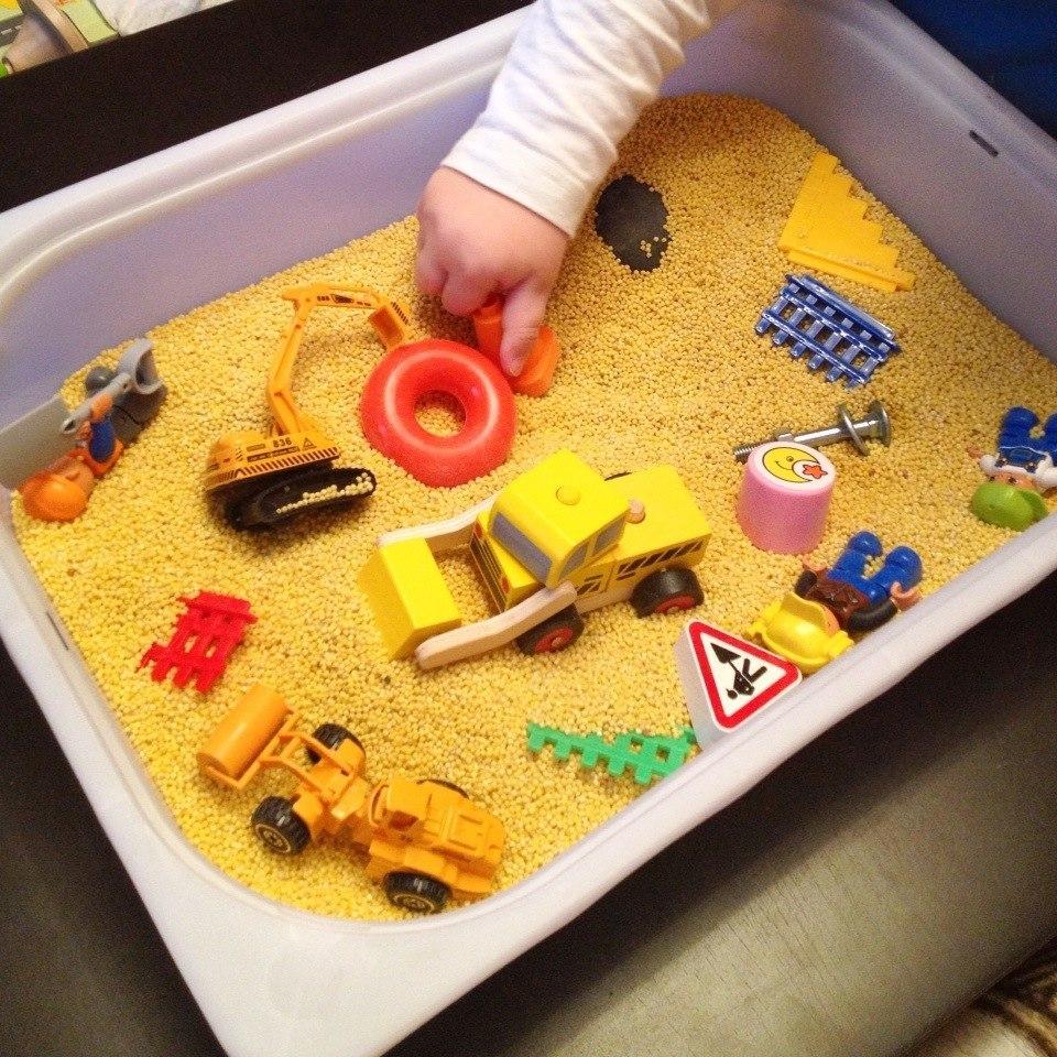 Сенсорные коробки для детей своими руками разный 48