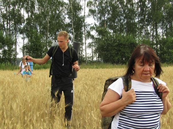 Лёша поспевает поиграть с колосками  © Наталья Кислякова (Кокряцкая) https://vk.com/id132237402