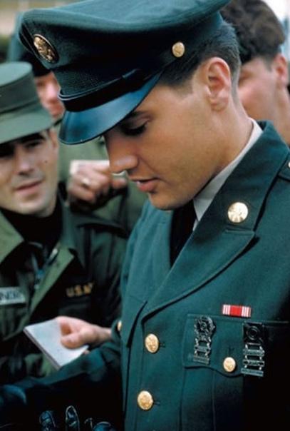 Подборка армейских фото Элвиса Пресли
