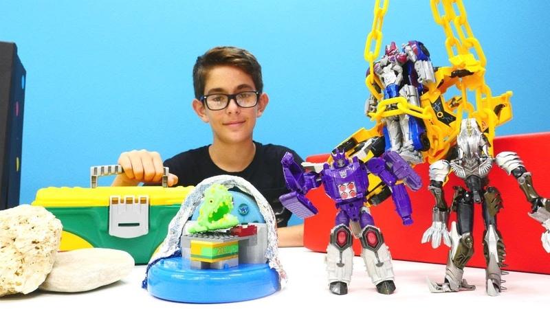 Transformers. Deseptikonların kandırdığı uzaylının gemisini tamir ediyoruz