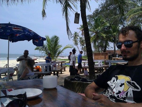 Кафе на пляже Колва