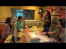 Exclusive Red FM video - Shahid Kapoor Sonam Kapoor promoting Mausam at Red FM Studio, 21.09.2011