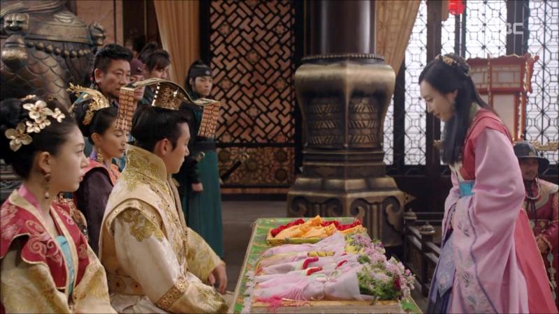 Императрица Ки - Дайду. Дворец императора. Внутреннее устройство двора. Кандидатки от наместников провинций. Часть 5