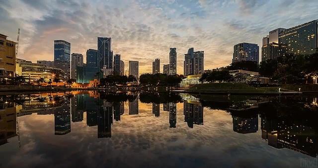 Early morning in Kuala Lumpur. coub