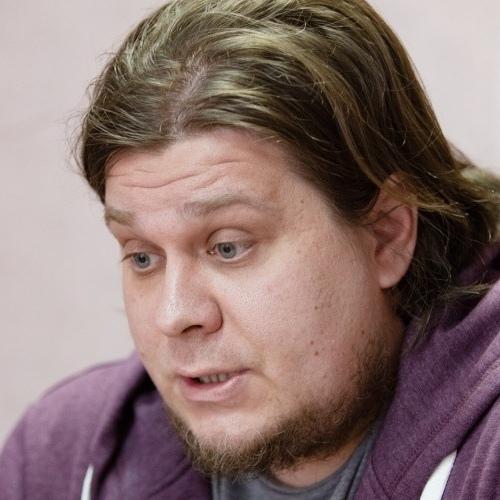 Челябинский священник, забравший у пенсионерки 600 тысяч рублей, вернулся к службе. В епархии уверены — он начал выплаты