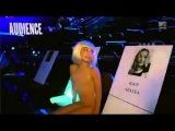 Maddie Ziegler dances all over the Forum (VMAs14)