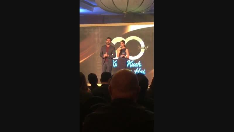 Абхишек Баччан и Швета Баччан Нанда на праздновании 20-летия фильма Всё в жизни бывает