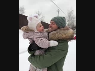 Влад Соколовский с дочерью Мией.