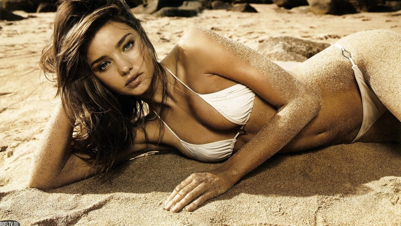 Фотомодели девушки на пляже 10 фотография