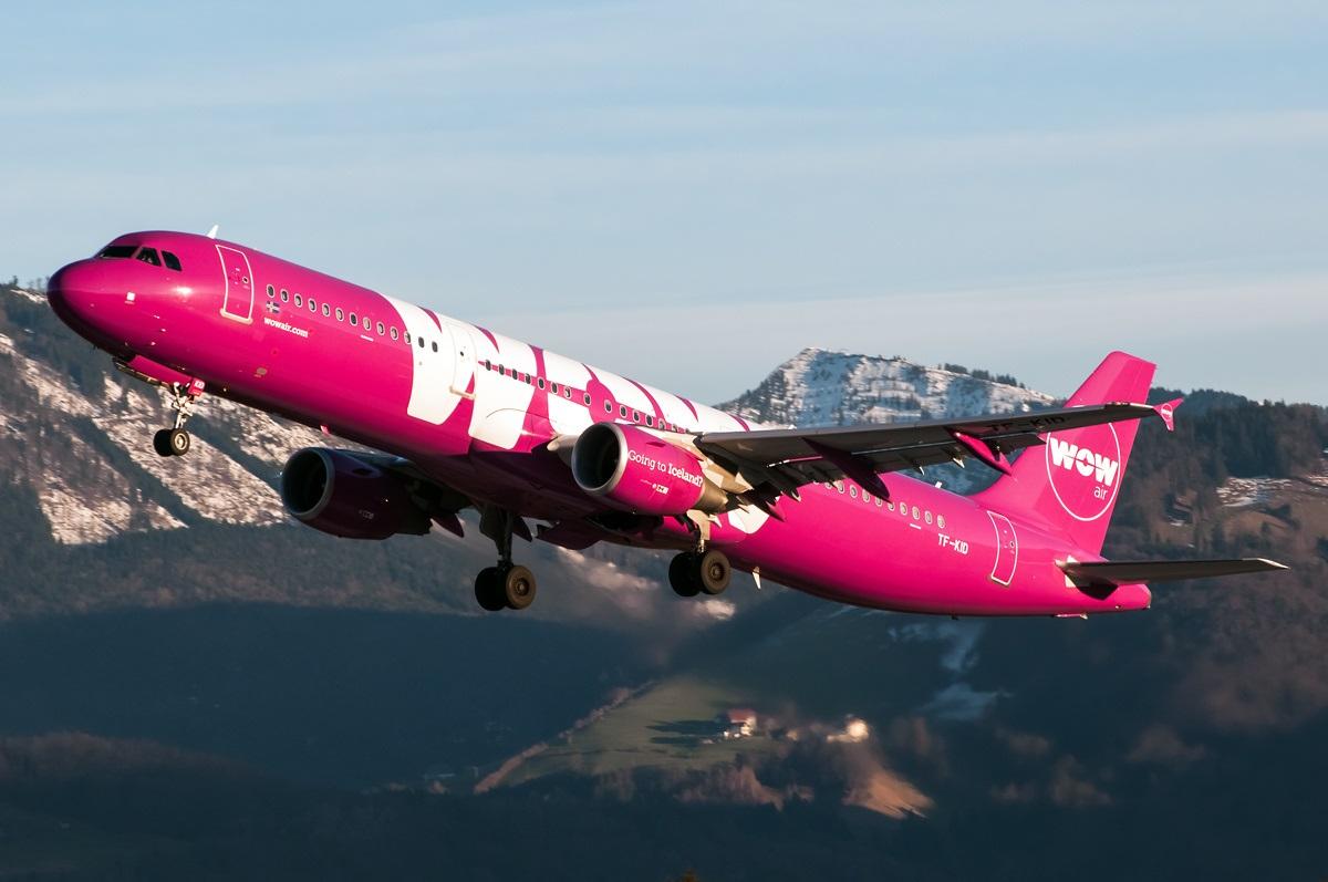 Взлет Airbus A321 исландского лоукостера