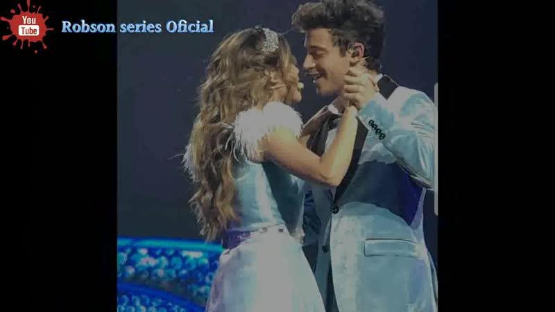 Karol Sevilla no quiso el beso de Ruggero en la canción Que Mas Da Soy luna live
