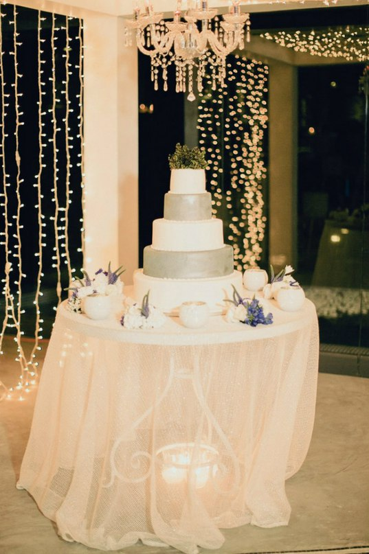 g5U7SBPEjz8 - Золотые и серебряные свадебные торты 2016 (70 фото)