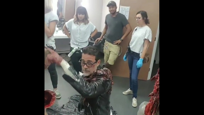 Behind the scenes 8x05