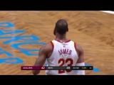 LeBron James Puts On A Show With A Thunderous Jam In Barclays