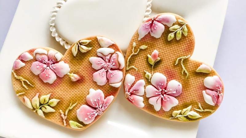 How to decorate floral cookies. Pressure piping. cookieart