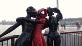 Три девушки в латексе