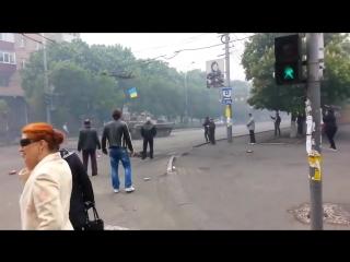 АТО 72 БРИГАДА входила в город Мариуполь...реакция сепаров умиляет