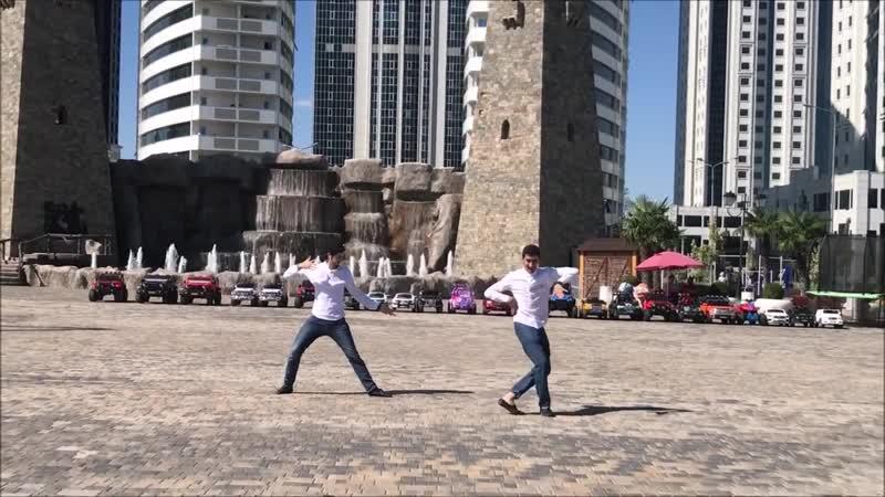Madina Lezginka В Грозном 2018 Парни Танцуют Весело И Четко ALISHKA ELVIN (Чеченская Республика)