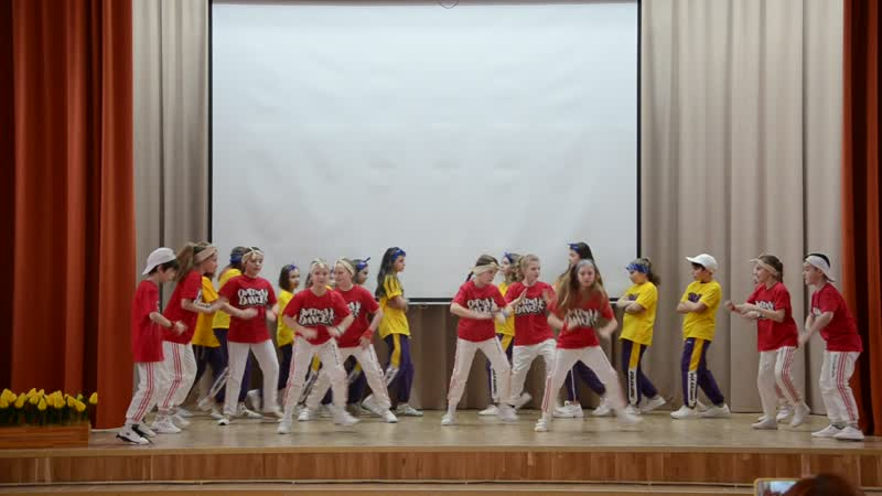 Школа 1416 Поздравление с 8 марта Dance Optima хип хоп