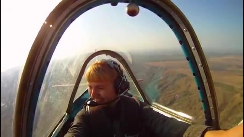 Полет на Як-52 под Коктебелем (из кабины)