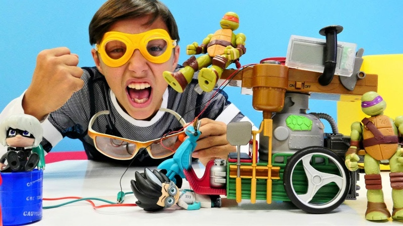Ninja Kaplumbağalar oyuncakları. Romeo pizza arabasını alıyor