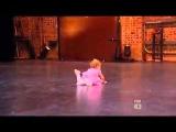 2х ллетняя девочка танцует балет МЕГА ПОЗИТИВ