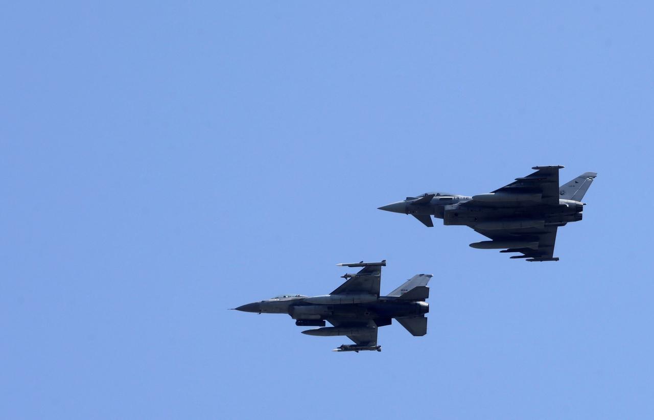 Красивый поступок пилотов двух португальских F-16