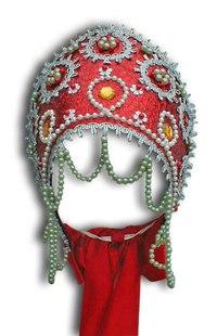 Кокошник- старинный русский головной убор в виде гребня (опахала или округлого щита) вокруг головы, символ русского...