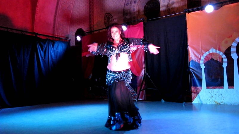 Suzan Ayvaz Belly Dancer