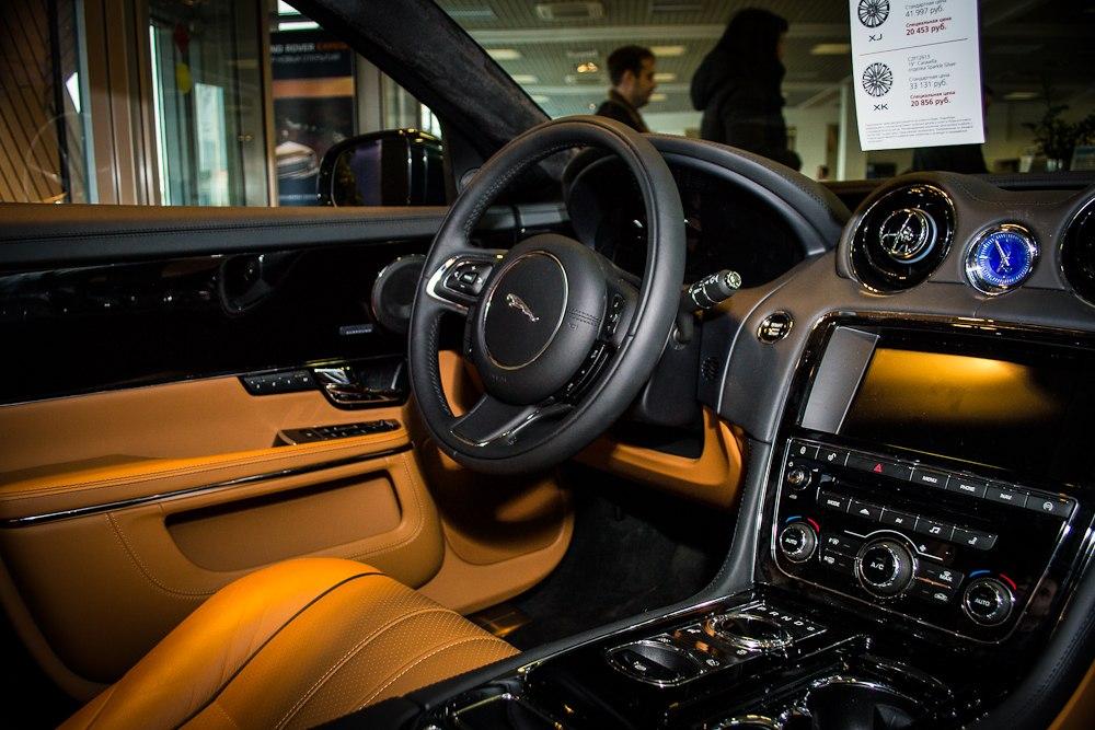 Коньяная кожа Jaguar XJ 2013