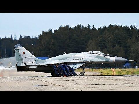 Катают самолёты на авиабазе в Кубинке Армия 2017 | Cу-35C | МиГ-29СМТ | Як -130 |