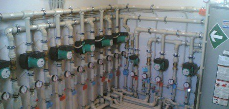 В этой статье мы поговорим про отопление загородного дома.  Отопление дома может быть достаточно сложным прокетом...