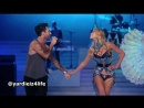 Maroon 5 - Moves Like Jagger, Victorias Secret Fashion Show Live Performance.