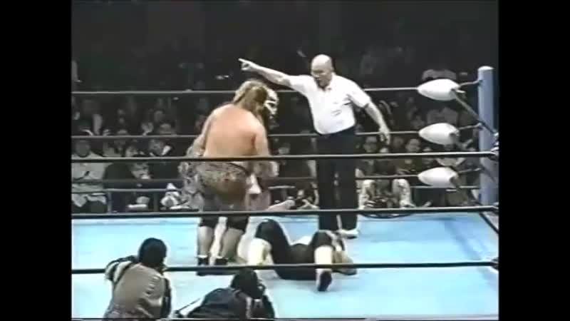 1996.11.30 - Akira TaueToshiaki Kawada vs. Giant Kimala IIJun Izumida [SPLICED FINISH]