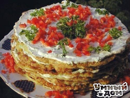 Кабачковый торт Ингредиенты: · 2 молодых кабачка · 4 яйца · 1 стакан муки · соль, перец · 1/2 стакана майонеза · 2-3 зубчика чеснока · 4 помидора · несколько перышек зеленого лука. Приготовление: Кабачки натереть на крупной терке, затем слегка отжать их, чтобы убрать лишнюю жидкость. К кабачкам добавить яйца, муку, посолить и поперчить. Все смешать, чтобы получилось тесто как на оладьи.Сковороду слегка смазать растительным маслом и выпекать в ней блины. Тесто при этом нужно просто размазать…