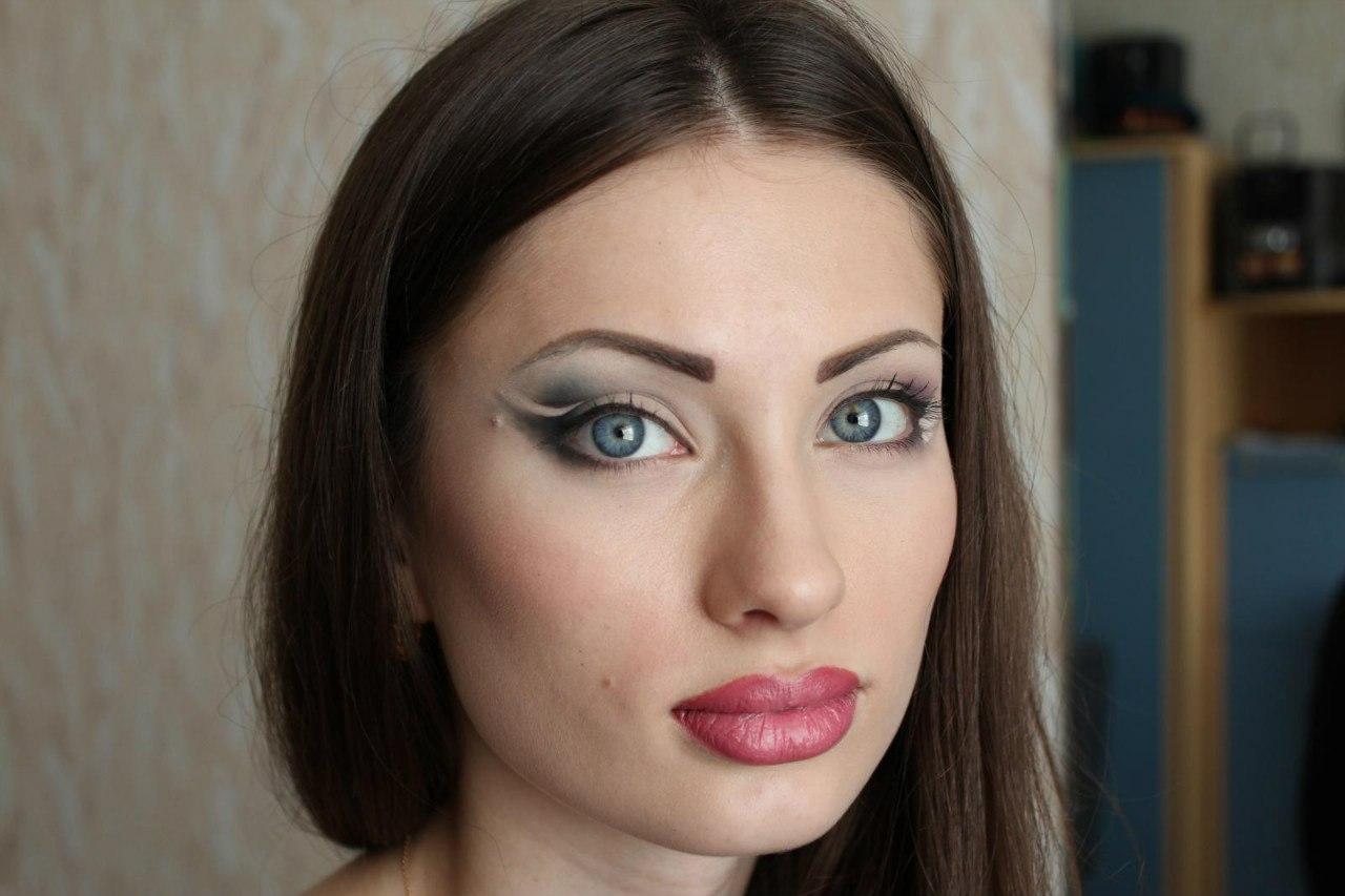 Хроминг: модная техника макияжа, которая сделает кожу 36