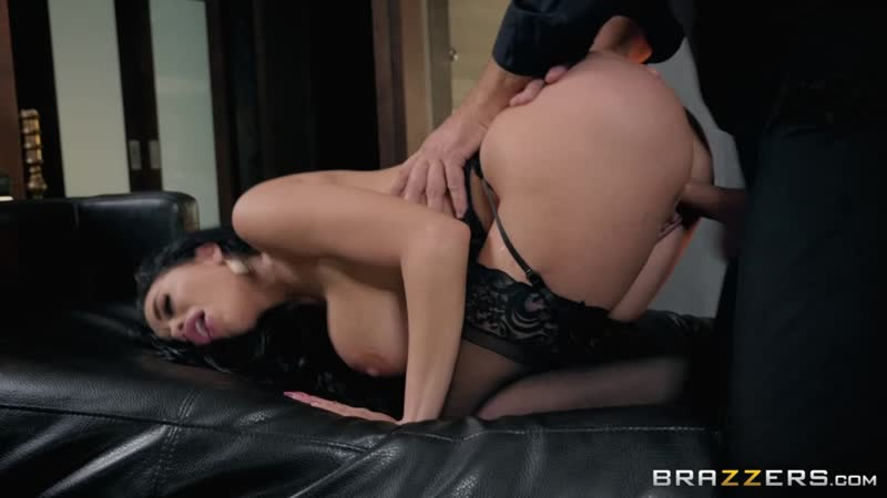 Victoria June - Fuck Me By The Fire 2018-11-29, Brunette, Latina, Big Tits, Big Ass, Oil, Straight, Deep Throat