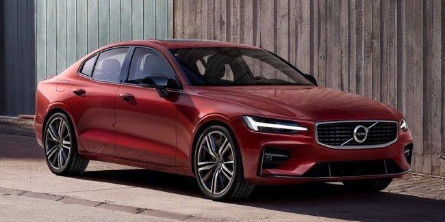 Новый Volvo S60: 415-сильный гибрид и полуавтоматическое управление.